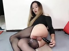 Huge handsfree sissygasm p